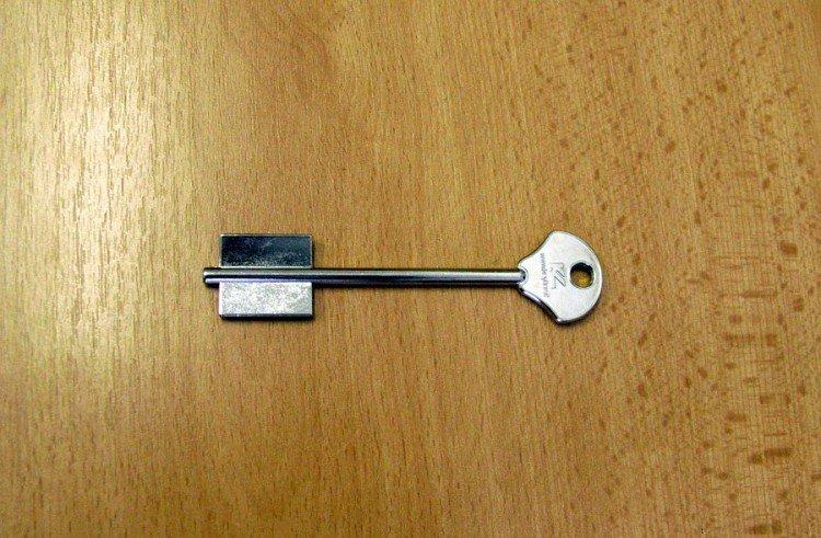Klíč trezor.2EY3 /KL/